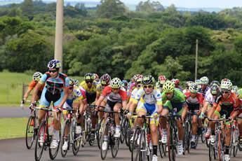 Entre os atletas do Clube, destaque para Igor Molina, que ficou em segundo lugar na classificação geral da categoria Juvenil Masculino. (Foto: Divulgação/CCSJC)