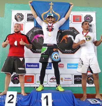 Douglas Leão faturou o título da Etapa Verão do Circuito Mandala de Submission de Jiu-Jítsu, na categoria intermediário, até 97 quilos. (Foto: Divulgação/PMC)