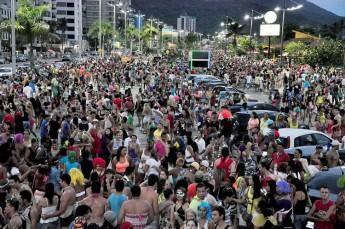 De sexta-feira (13) até terça (17), a cidade promove desfile de blocos, shows musicais com baile popular, matinês e Carnaval de Antigamente. (Foto: Divulgação/PMC)