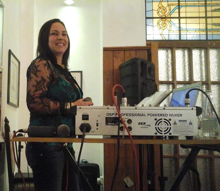 Entre os destaques, estão versões de músicas de Gal Costa, Ana Carolina e Marisa Monte. (Foto: Divulgação/PMT)
