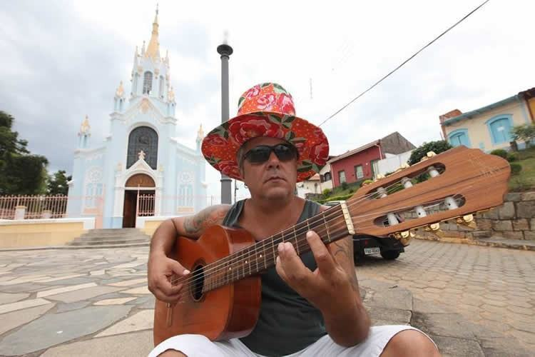 Sábado, 21, Gustavo Salinas se apresenta a partir das 9h30 na praça Dom Epaminondas trazendo em seu repertório canções da MPB. (Foto: divulgação/PMT)