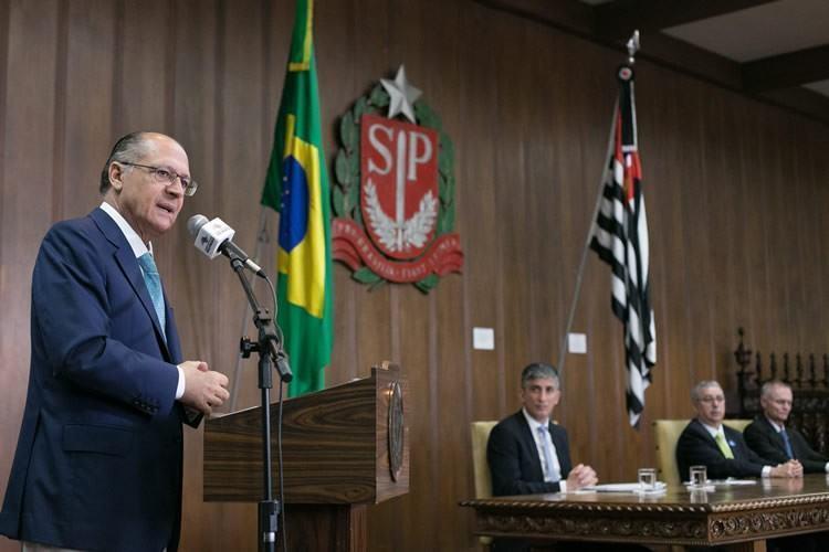 O governador Geraldo Alckmin sancionou na quinta-feira, 19, a lei que concede passe livre estudantil no Metrô, na CPTM e nos ônibus da EMTU para alunos da rede pública. (Foto: Foto: A2 Fotografia / Diogo Moreira)