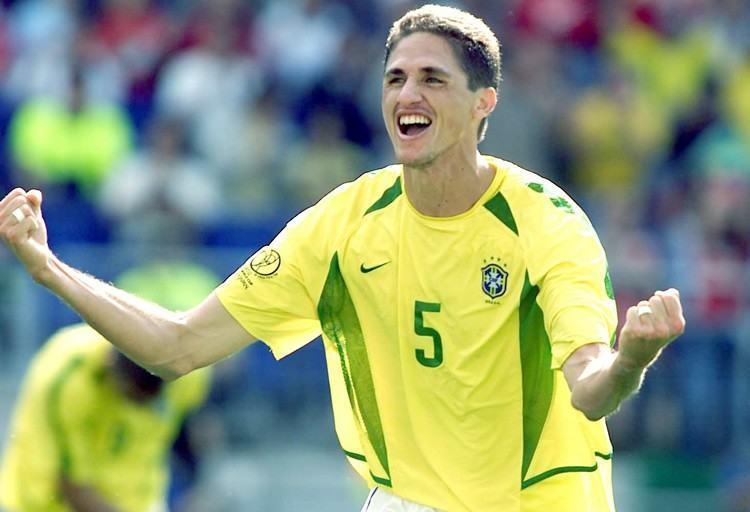 Edmilson, campeão mundial com a seleção brasileira na Copa do Mundo de 2002 e da Liga dos Campeões em 2006. (Foto: Sesc)