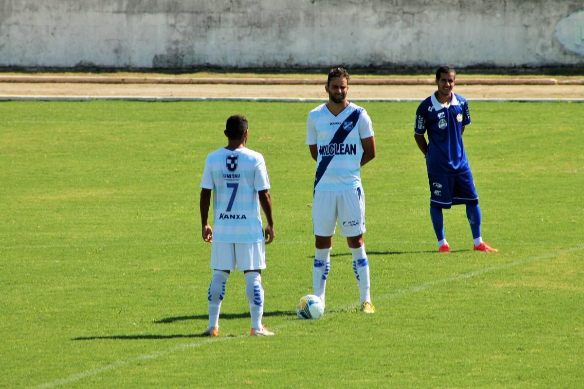 Tudo igual entre Taubaté e São José no estádio do Joaquinzão. (Foto: Talita Leite / PPESPORTE)