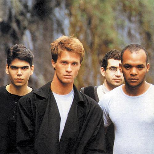 Renato Rocha, primeiro à direita, ao lado dos amigos no Legião Urbana. (Foto: Divulgação)