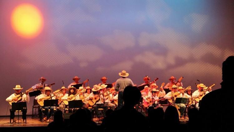 Orquestra de Viola Caipira de SJC se apresenta na Casa do Idoso Centro, terça-feira, e no Parque Vicentina Aranha, na quinta-feira. (Foto: Paulo Amaral/FCCR)