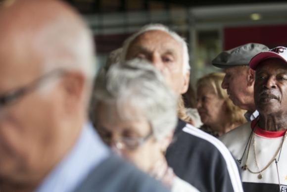 A intenção é substuituir o fator por uma fórmula que retarde o início das aposentadorias (Arquivo/Agência) Brasil