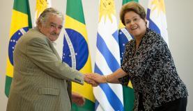 Dilma Rousseff e Pepe Mujica inauguram parque eólico no Uruguai. (Foto: Marcelo Camargo/Agência Brasil)