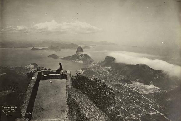Vista da entrada da Baía de Guanabara, a partir do Morro do Corcovado. Imagem de Augusto Malta, de 1906. (Foto: Divulgação/Instituto Moreira Salles)