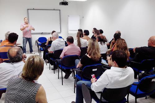 Empreendedores estiveram ontem (5/3) no Escritório Regional do Sebrae-SP em São José dos Campos para trocar experiências e fortalecer networking. (Foto: Divulgação)