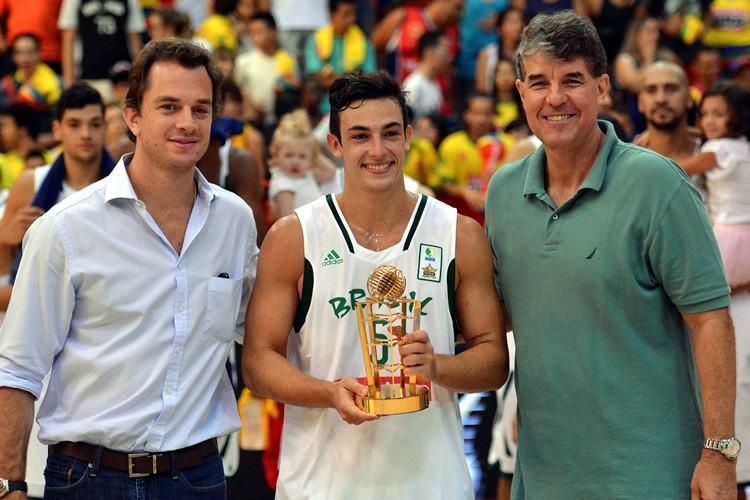 Ricardo Fischer, do Bauru, foi eleito o MVP do Jogo das Estrelas 2015. (Foto: Fotojump/LNB)