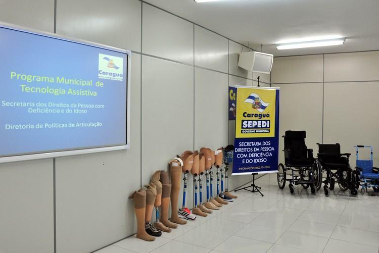 Programa Municipal de Tecnologia Assistiva entregou 13 próteses e três cadeiras de rodas para pessoas com deficiência, totalizando, este ano, 47 equipamentos concedidos. (Foto: Cláudia Moysés/PMC)