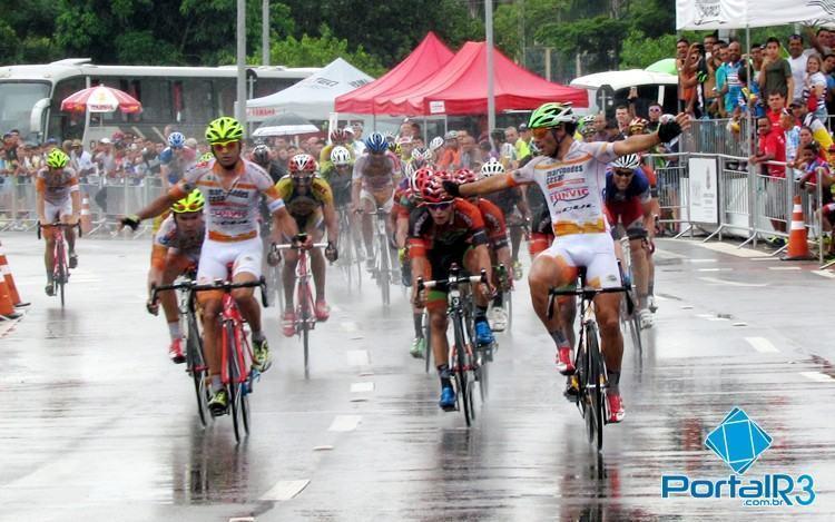 Pódio da etapa teve três atletas de São José dos Campos nas primeiras posições. (Foto: Sérgio Ribeiro/PortalR3)