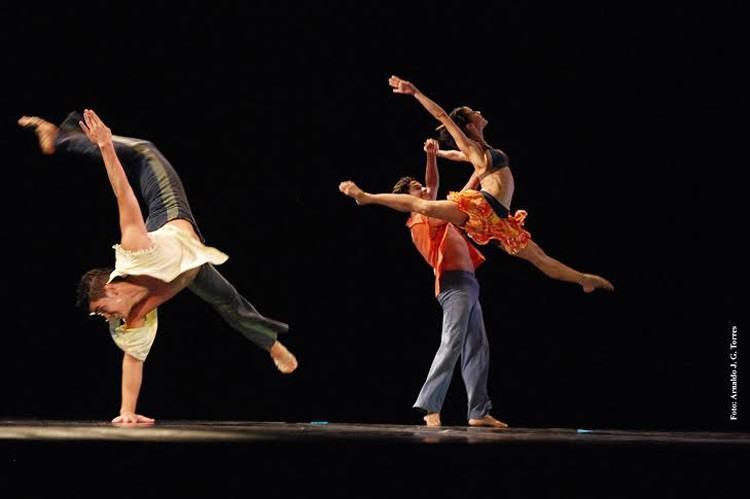 """Cena do espetáculo de dança """"Mané Gostoso"""" do grupo Ballet Stagium. (Foto: Arnaldo J.G. Torres/Divulgação)"""