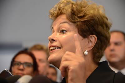 """""""Nós vamos fazer todo o esforço ao nosso alcance para que, até o final deste ano, os sinais de recuperação já comecem a aparecer"""", disse a presidenta do Brasil. (Foto: Elza Fiúza/Agência Brasil)"""
