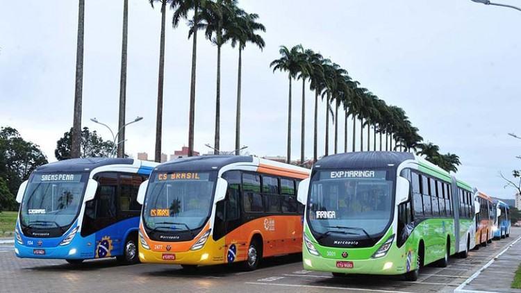 Atualmente são nove veículos em operação nas linhas de maior fluxo da cidade. Eles dão mais conforto ao usuário do transporte coletivo. (Foto: Claudio Capcuho/PMSJC)