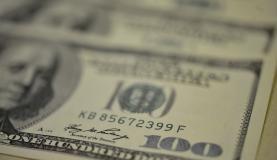 Dólar fecha semana cotado a R$ 3,249, mais alto valor desde abril de 2003. ( Arquivo/Agência Brasil)