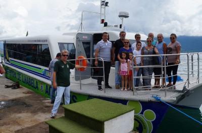 O homenageado também esteve presente na chegada da embarcação que leva o seu nome. (Foto: Divulgação/PMSS)