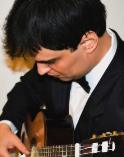 Glauber foi recitalista convidado em prestigiadas séries de música de câmara na Alemanha e Brasil. (Divulgação)