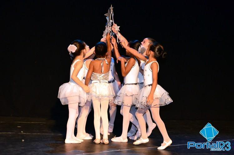 Recentemente, diversos alunos se formaram em cursos de danças do projeto Nosso Bairro. (Foto: Luis Claudio Antunes/PortalR3)