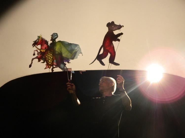 O curso de Teatro de Sombras Contemporâneo será do dia 26 a 29 de abril, das 9 às 17h, no Teatro Metrópole. (Foto: Divulgação/PMT)
