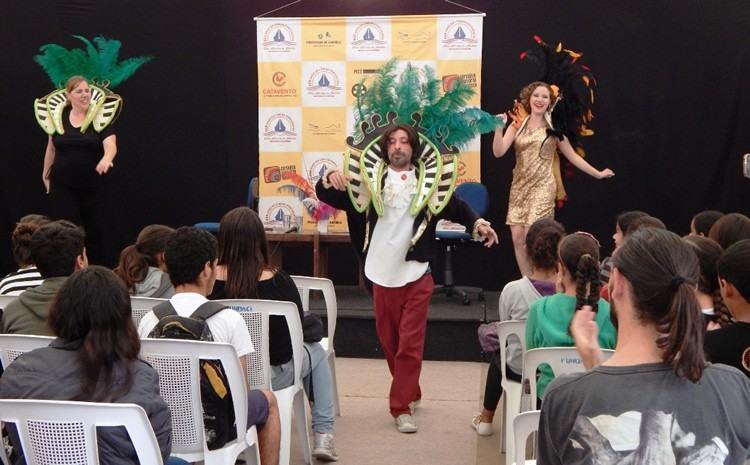 Programação inclui diversas atividades sempre na Praça das Bandeiras, na Vila. (Foto: PMI/Divulgação)