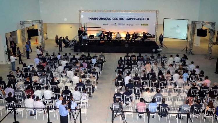 O novo Centro Empresarial ocupa uma área de 12 mil metros quadrados, distribuídos em dois pavimentos. (Foto: José Aparecido/PMSJC)