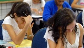 O estudante com média inferior a 450 pontos nas provas do Enem não poderá se inscrever para bolsa do Fies (Arquivo/Agência Brasil)
