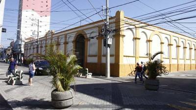 No setor de abastecimento, o Mercado Municipal de São José dos Campos, funcionará no feriado de sexta-feira (03), das 7h às 12h. (Foto: Antonio Basilio/PMSJC)