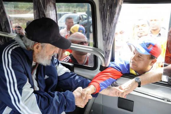 Fidel Castro reapareceu em público durante encontro com venezuelanos em uma escola em Havana. (Reprodução Granma/Foto: Juventude Rebelde - Direitos Reservados