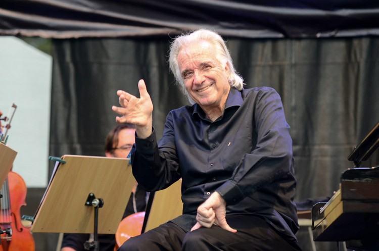 Orquestra Bachiana, regida por João Carlos Martins, é uma das atrações no aniversário da cidade. (Foto: Luis Claudio Antunes/PortalR3)
