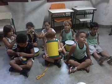 A musicalização é o processo de construção do conhecimento musical, com objetivo de despertar e desenvolver o gosto pela música, estimulando e contribuindo com a formação global do ser humano. (Foto: Divulgação/PMSS)