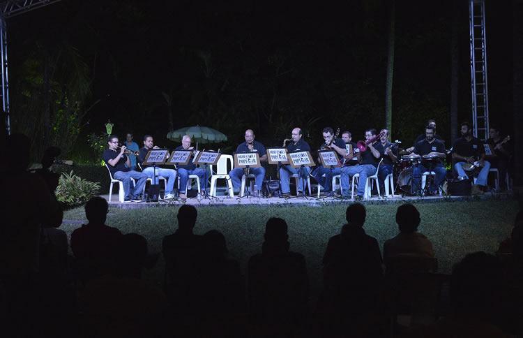 A Orquestra Popular de Ilhabela se apresenta na abertura do festival, na noite de sábado, dia 18, na Vila. (Foto: Divulgação/PMI