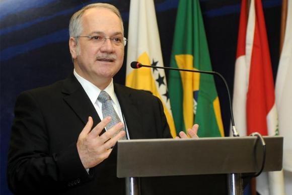 Jurista Luiz Edson Fachin é o quinto ministro indicado por Dilma Rousseff para o STF. (Foto: Divulgação/TJPR)