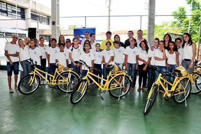 Esta é a segunda etapa da entrega das 590 bicicletas, que começaram a ser distribuídas no ano passado. (Foto: Luís Gava/PMC)