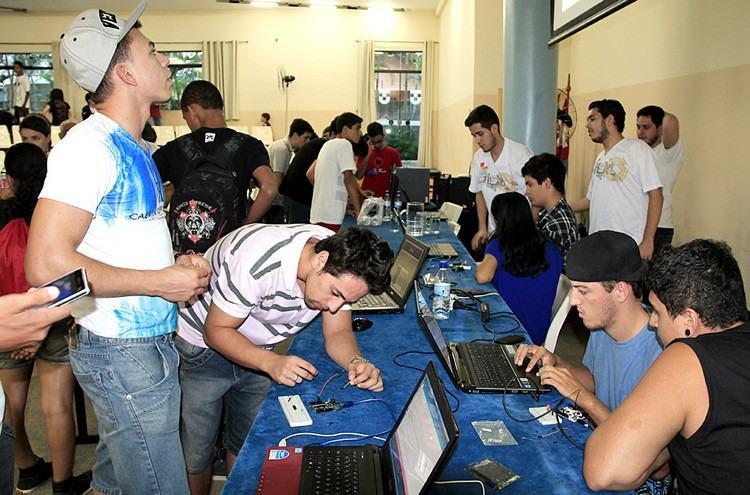 Flisol é novamente atração para estudantes e entusiastas de tecnologia no município, único do Litoral Norte paulista incluído no evento. (Foto divulgação/PMU)