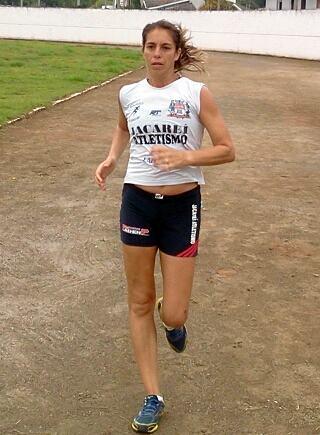 Sara Medeiros, atleta jacareiense que vai representar o Brasil e Jacareí no 12º Grand Prix Mercosul de Atletismo Veterano em Montevidéu, Uruguai. (Foto: Alex Brito/PMJ)