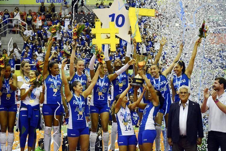 Equipe comandada por Bernardinho comemora mais um título na  Superliga. (Foto: Alexandre Arruda/CBV)
