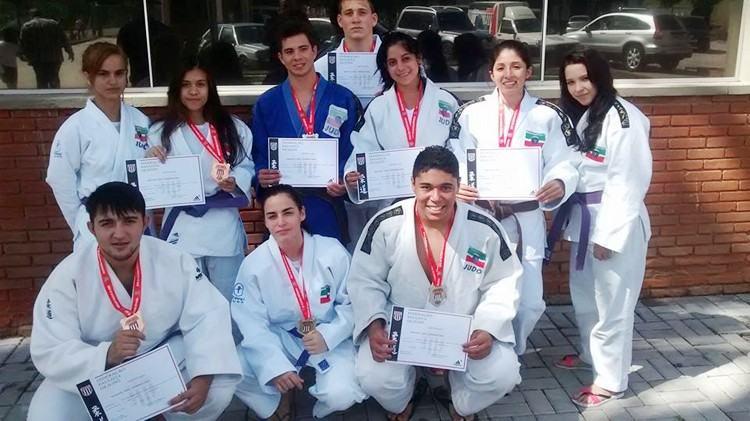 Judocas de Pindamonhangaba que participaram da fase inter-regional. (Foto: divulgação)