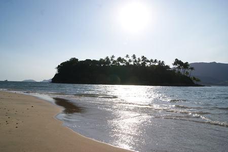 Quem estiver na Praia das Pedras Miúdas, conhecida como Ilha das Cabras, ao sul do arquipélago vai conhecer um pouco mais Santuário Marinho e das ações desta Ong no Brasil. (Foto: Gustave Gama/PMI)