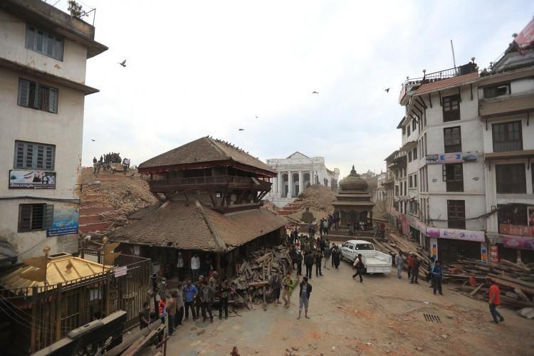O número oficial de mortos na sequência do forte terremoto que atingiu o Nepal, no sábado (25), supera os 3,7 mil, segundo novo balanço das autoridades locais. . (Foto: Laxmi Prasad Ngakhusi / UNDP Nepal 25/04/2015)