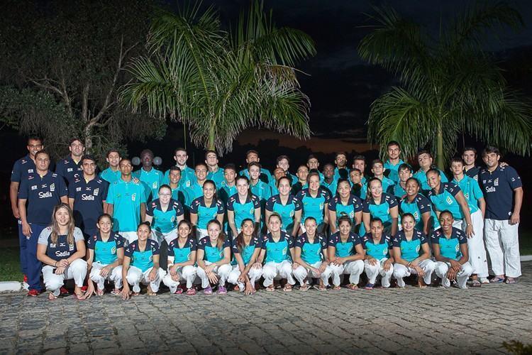 Seleção Brasileira Sub18 e comissão técnica em Pindamonhangaba. (Foto: João Ríbio/Divulgação