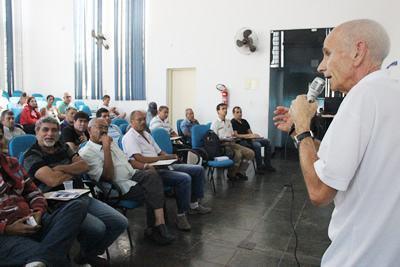 A palestra foi ministrada por técnicos da EMTU (Empresa Metropolitana de Transportes Urbanos de São Paulo), com o objetivo de orientar os permissionários sobre os itens de manutenção e segurança que devem ser mantidos nos veículos.(Foto: Divulgação/PMT)