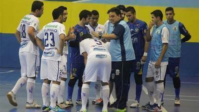 O técnico Ivan Gomes já treinou a equipe e acertou os últimos detalhes para a partida contra o Assoeva, nesta segunda-feira. (Foto: Quarttus Marketing/Divulgação)