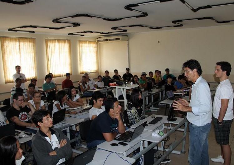 Segunda edição na cidade contou com a participação de ativistas de tecnologias livres e estudantes de escolas técnicas locais e de Caraguatatuba. (Foto: divulgação/PMU)