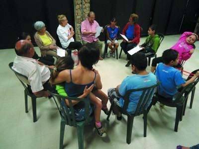 Para participar das vivências Intergeracionais é necessário fazer a inscrição na Central de Atendimento do Sesc Taubaté. (Foto: Divulgação/Sesc)