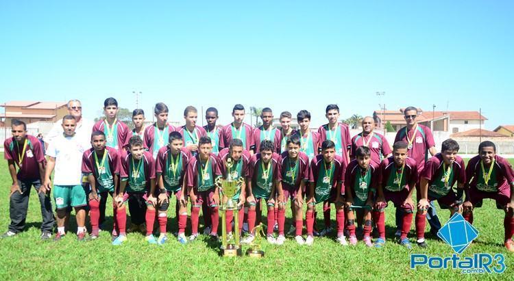 Fluminense, campeão do Campeonato Sub15 2015. (Foto: Luis Claudio Antunes/PortalR3)