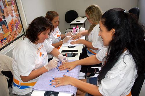 São 190 vagas disponíveis para cursos gratuitos com duração de dois meses, que visam à geração de renda. (Foto: divulgação/PMT)