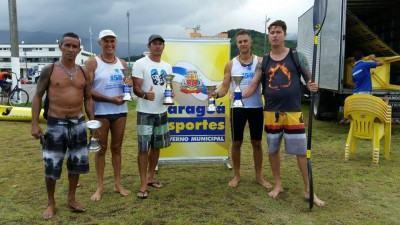 Foram cinco troféus ao todo, conquistados pelos canoístas de Ilhabela. (Foto: Divulgação/PMI)