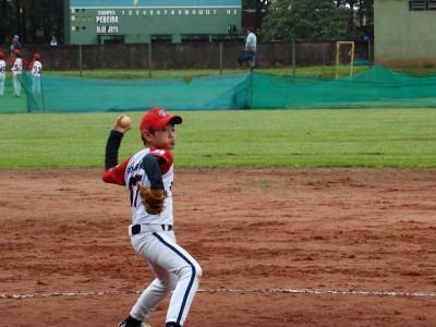 Gabriel é aluno da escola de beisebol da Associação Bunkyo de São José dos Campos e iniciou na prática do esporte aos 5 anos. (Foto: Divulgação)